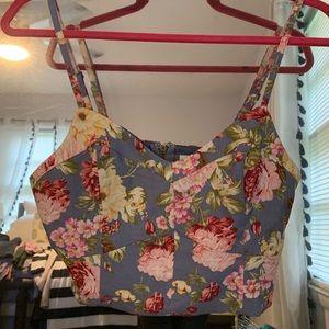 Shop hopes floral crop top